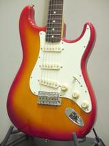[新品]Fender Japan/Classic 60s Strat CBS 生産完了につき特別価格!目を惹く個性ある色合いのストラト!