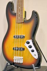 [新品特価]Fender/Exclusive Classic 60s Jazz Bass Fretless [JB62-FL] USピックアップとフレットレス仕様。高い品質が人気の国産フレットレスモデルです!生産完了&チョイキズの特価品!